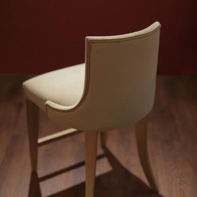 صندلی پشت کوتاه